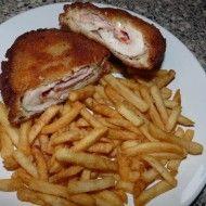 Fotografie receptu: Plněný kuřecí řízek s debrecínkou a slaninou