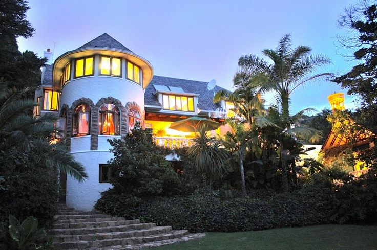 Historic Architectural Landmark  A wedding gift for the iconic anti-apartheid activist Helen Suzman by the acclaimed German Architect, W. B. Pabst built in 1937. Straight off the pages of history.  #northcliff #johannesburg #pamgolding