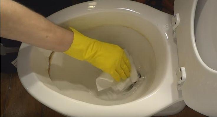 Bah, donkere kringen in het toilet...Zo kom je er makkelijk vanaf, zonder hard te schrobben!