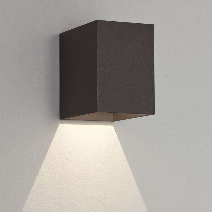 the oslo 100 exterior led wall light is fitted with a powerful 3w led and has