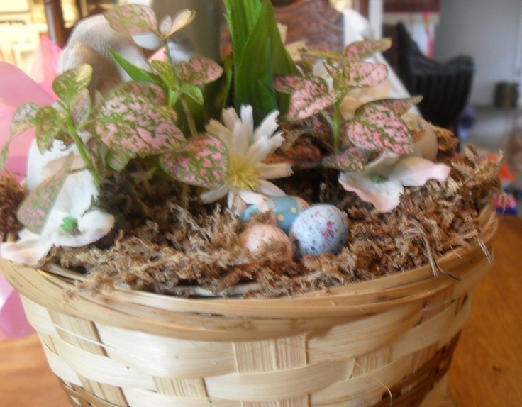 Easter Tree decorations: The back side of the base.