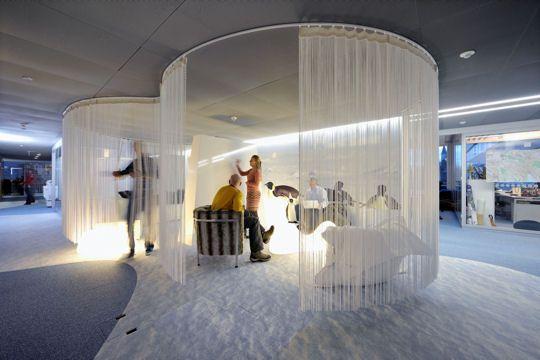 Dans le sous-sol de Stockholm ou un atelier parisien, découvrez les espaces de travail les plus originaux.