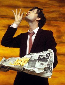 Jarvis Cocker enjoying chips