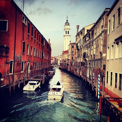 #italy #venezia #venice #water #channel #boats #sky #sea #city #atmosphere #webstagram #insta #instapic #instaeffectfx #instagood #photo #iphone #iphoneonly #iphonesia #photooftheday #people #gallery #riccardoch  #instagramitalia  #bestoftheday #beautiful
