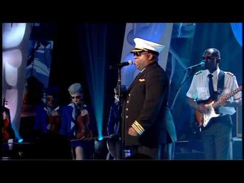 Gnarls Barkley performs Crazy, at Top Of the Pops