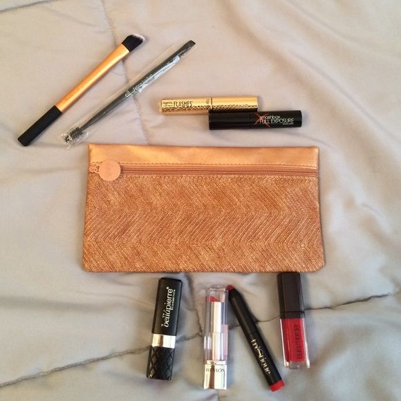 "❌ PRE- BLACK FRIDAY❌ high end makeup BUNDLE  Awesome lot of unused makeup and brushes. Includes ipsy cosmetic bag. Products are deluxe samples of- smash box ""full exposure"" mascara and tarte ""lights camera flashes"" mascara. Elf eyebrow duo brush, real techniques concealer brush. Bellapierre lipstick in ""P.I.N.K"", Revlon lipstick in ""HD Gladiolus"", Trestique mini matte lip crayon in ""chile red"" and Laura Mercier lip glacé in ""Poppy"". Tarte, smashbox, laura mercier, elf, bellapierre, real…"
