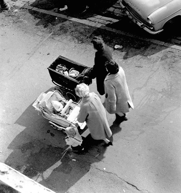 Untitled [South Melbourne markets] 1961-2selenium toned gelatin silver print  by Sue Ford (1943-2009) - an Australian born photographer, film maker, and photomedia artist
