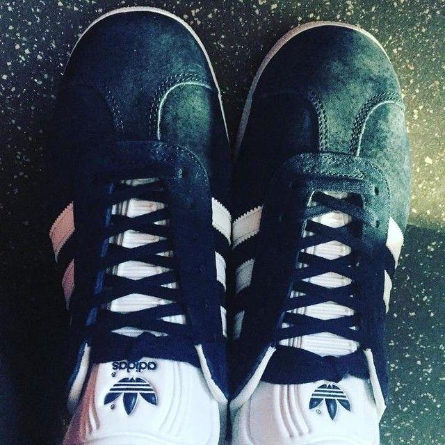 adidas gazelle core-black