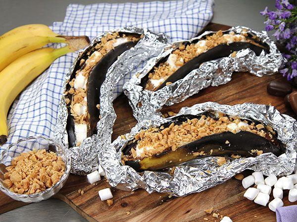 Grillad banan med dumlekola och marshmallows   Recept.nu