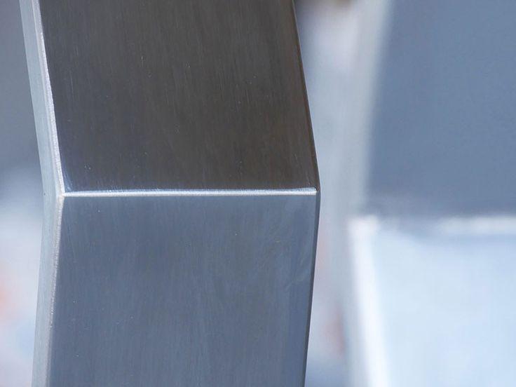 masa Sigma picioare metalice