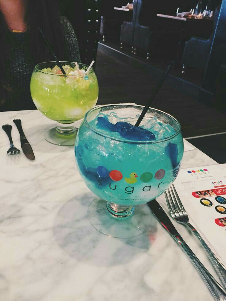 Best Fish Bowl Drinks In Chicago