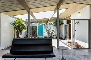 Classy 1964 Eichler House in Orange Comes With Pool and Unfortunate Kitchen | Curbed LA