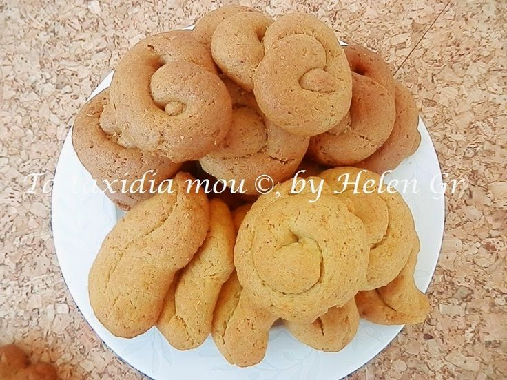 Τα πιο αρωματικά, τα πιο αφράτα, τραγανά, πανεύκολα και νόστιμα και λαχταριστά κουλουράκια-μπισκότα, που έχω φτιάξει! Όσοι τα δοκίμασαν, ε...