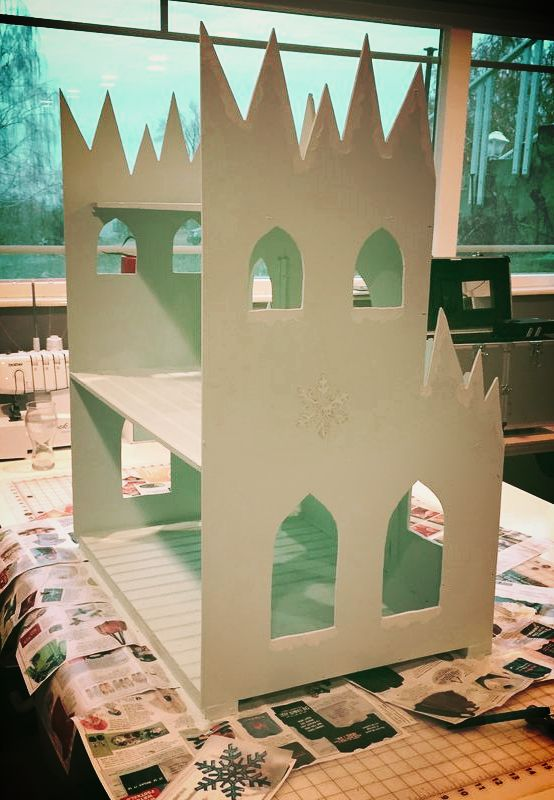 DIY Frozen castle