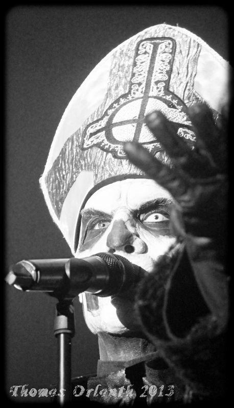 Ghost - heavy/doom metal (Hellfest 2013)