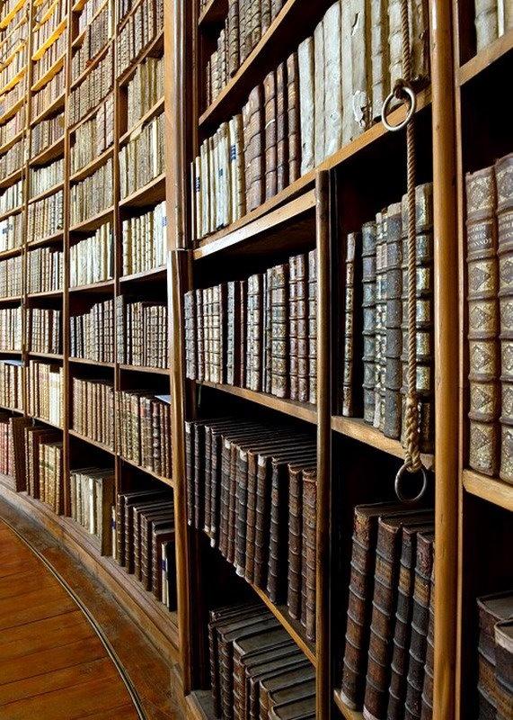 ALAI, Associazione Librai Antiquari d'Italia, dal 1948 riunisce le migliori librerie antiquarie italiane. Con il patrocinio di Umberto Eco - www.alai.it
