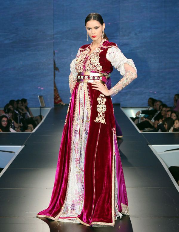 قفطان مغربي 2013Typiqu Maghrébin, Meriem Belkhayat, Inspiration, Fashion Show, Moroccan Dresses, Moroccan Caftans, Moroccan Caftans, Morocco, Kaftans