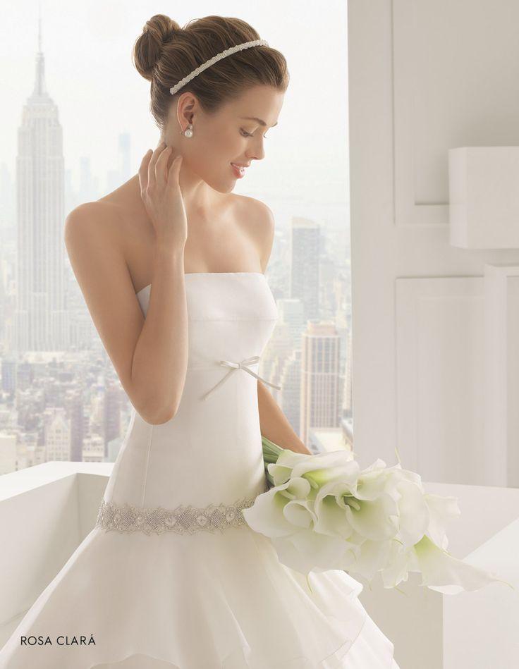 CHIC ROSA CLARÀ-28 Lavorazioni #artigianali e #tagli perfetti su abiti ed accessori, per #matrimoni di grande classe. www.mariages.it