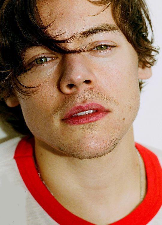 Não Escolha A Pessoa Mais Bonita Do Mundo. Escolha Aquela Que Torna O Seu Mundo Mais Bonito 'Harry Styles'