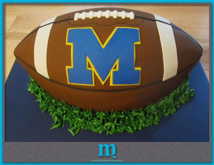 michigan football cake -- I am so doing something like this for Janie's 40th! He would LOVE it!