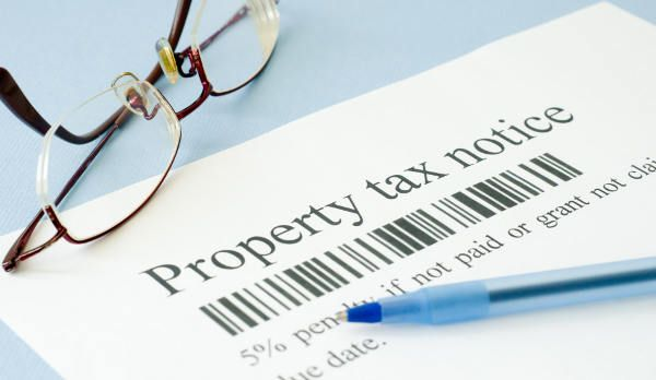 Second Half of 2016 Real Estate Taxes Due in Blue Earth County Public Service – Mankato Times  The Blue Earth County Taxpayer Services Department reminds property owners that the second half of real estate taxes is due, Mon., Oct. 17, 2016.  Property owners with land classified as agricultural or manufactured home owners have until November…