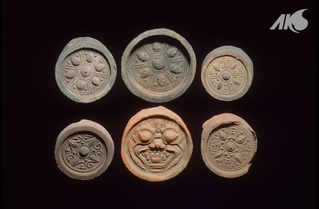 [Antiquity-Three Kingdoms Period(Goguryeo)] Goguryeo giwa Round roof-edge tiles with goblin face design