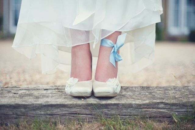 Loving the idea of tying a pretty silk ribbon around your ankle as your something blue!