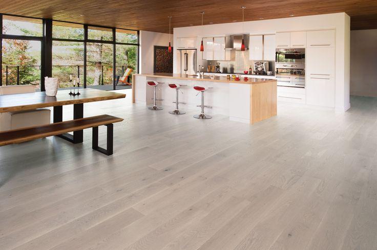 Mirage Floors, the world's finest and best hardwood floors. White Oak Snowdrift Light Character #whiteoak #snowdrift #lightcharacter #mirage #hardwood #kitchen #modern