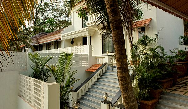 110 best goan traditional houses images on pinterest goa traditional house and 17th century. Black Bedroom Furniture Sets. Home Design Ideas