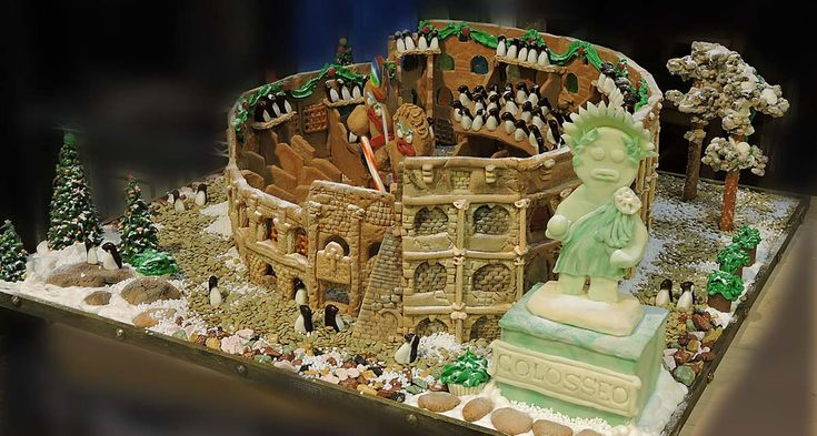 Gingerbread House: The Roman Colosseum #gingerbread #gingerbreadhouse #lahaska #peddlarsvillage #doylestown #italy #romancolosseum #colosseum #roma #rome #mostaccioli #recettemostaccioli