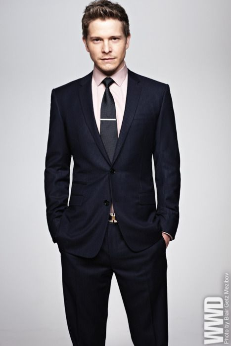 Matt Czuchry (In a Dior Homme Suit and Burberry Shirt). I will never not be  in love with Logan Huntzberger.  3  c2f86f36c