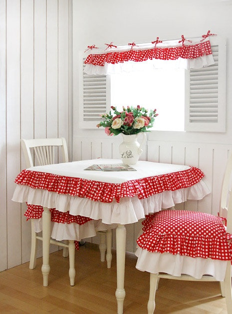Cute kitchen table! cottege style . White ad red. Cute idea!!!