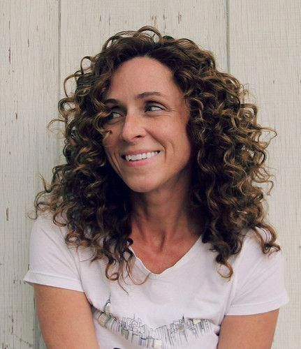 How To Get Well-defined Curls For Curly Hair. Free tutorial with pictures on