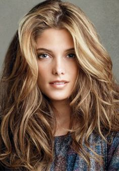 Fantastic hair color on this Twilight star. Light Brown Hair w/ Blonde