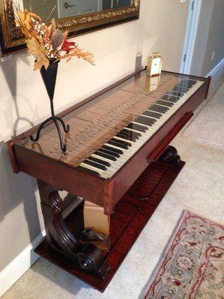 Из старого пианино