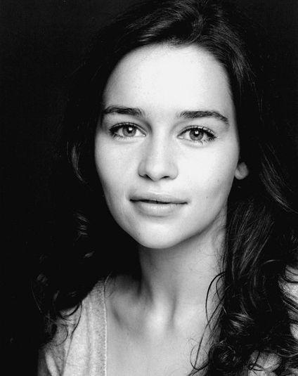 Emilia Clarke.... Shes so pretty