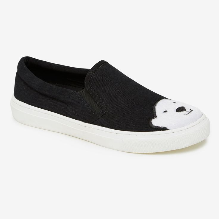 Featuring a unique polar bear face design, these fully lined and padded plimsoles will add a touch of winter fun to your casual look. Upper: 100% Cotton Sole: Rubber