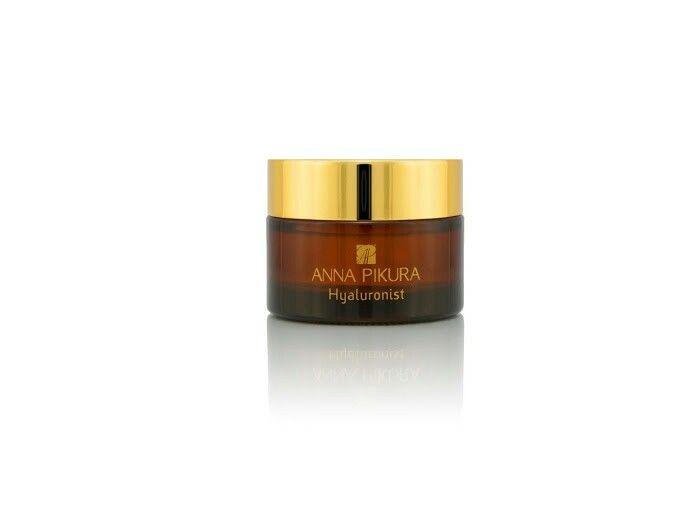Anna Pikura przedstawia Hyaluronist. Wyjątkowy biokosmetyk w postaci czystego kwasu hialuronowego.  Dzięki niemu Twoja skóra będzie wygładzona, jędrna i dobrze nawilżona, bruzdy i zmarszczki zostaną spłycone, nastąpi również stymulacja naturalnych procesów regeneracji.  Polecamy! http://sklep.annapikura.com/product_info.php?cPath=92&products_id=539