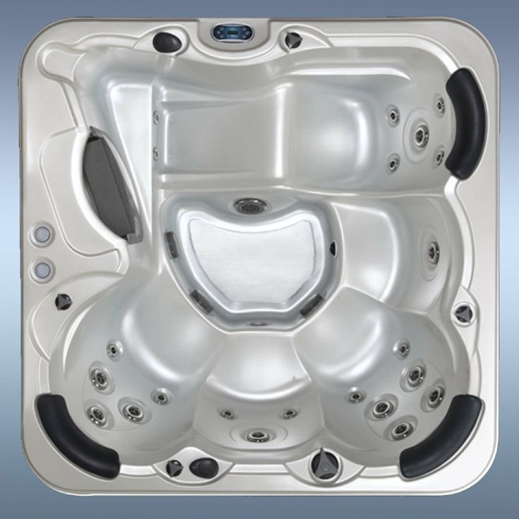 Countesa #hot-tub from http://www.hottubsuppliers.com/