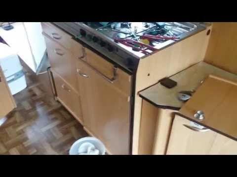 Wohnwagen Renovierung Teil 3 - Fußboden & Möbel - YouTube