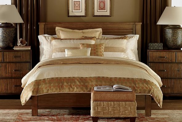 ethanallen.com - Ethan Allen | I like the color scheme, and I like the mood. The bed is nice too.