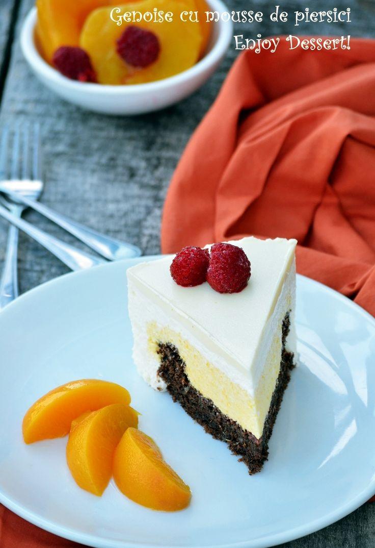 Tort genoise cu mousse de piersici si ciocolata alba