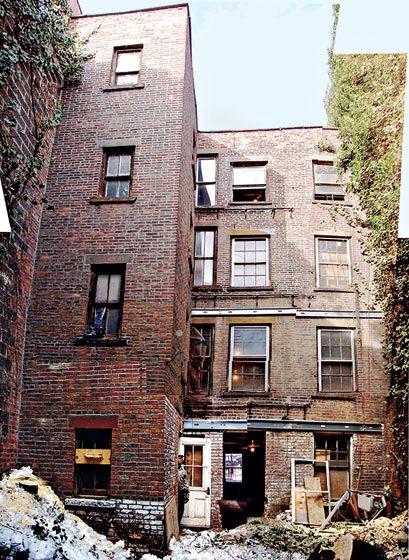 Confira a reforma predial que transformou um edifício abandonado em Nova Iorque em um lindo prédio contemporâneo!