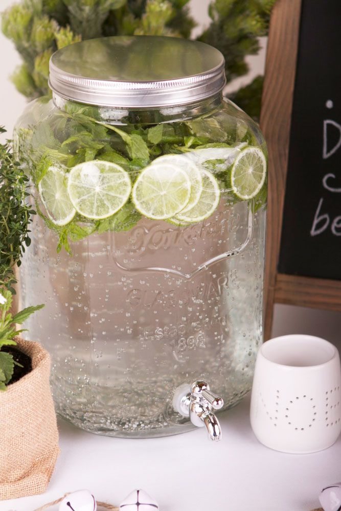 Yorkshire Drink Dispenser with Mint & Limes in Organic Christmas Theme
