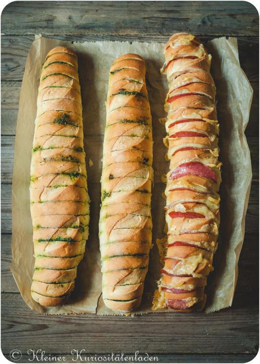 Kräuterbutter und Mettwurst-Käse-Baguettes