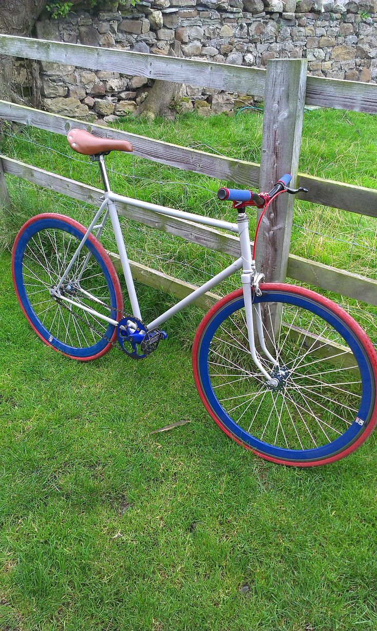 Grey, red & blue fixie