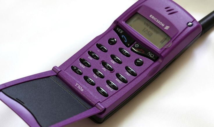 Ericsson T10s from 1999 - my first mobile, mine was purple and I had the keypad that attached to the bottom for easy texting.