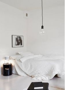 if your ideal interior is one with a little bit of dramatic contrast youu0027ll find inspiration in these 13 bedrooms that get black and white just right