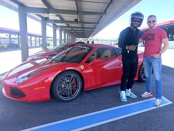 Jamie Foxx Drives The Ferrari 488 Gtb At Exotics Racing In Las Vegas Racing Las Vegas Ferrari