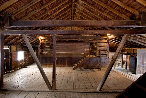14 best images about horse barn on pinterest stables for Small barn designs